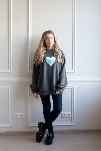 Pilkas meilės džemperis moterims