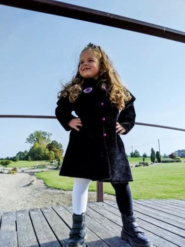 Juodas princesių paltukas