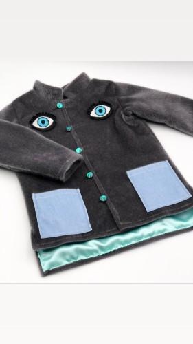 Pilkas berniukiškas paltukas